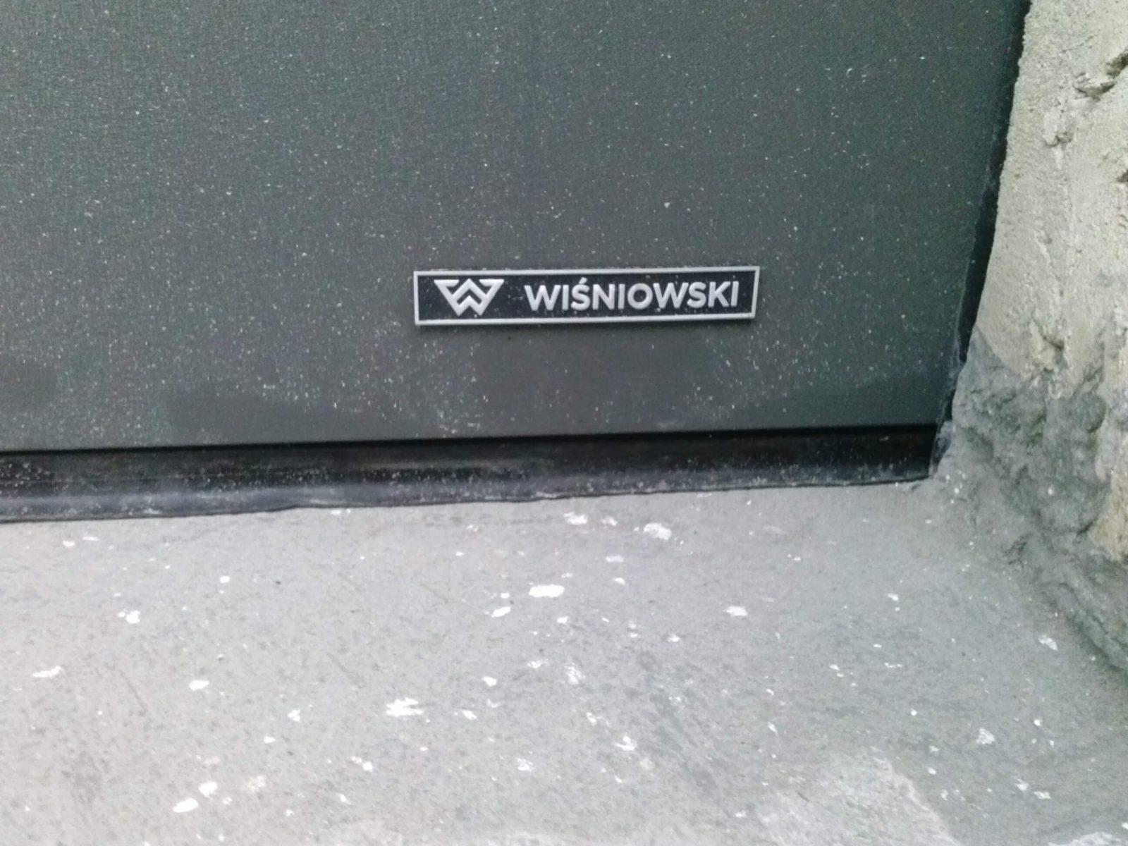 szara brama garażowa wiśniowski