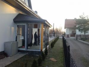 OKNA FIRMY ADAMS KOLOR DWUSTRONNY ANTRACYT BALKONY Z KALMKA DWUSTRONNA I ZAMKIEM