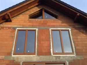 Okna Passivline Plus złoty dąb ciepły montaż